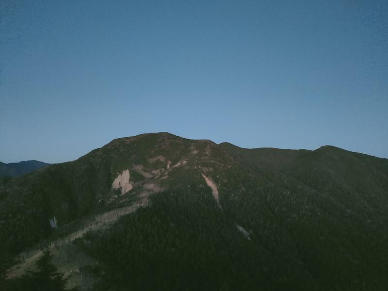 木賊山と甲武信ヶ岳と三宝山