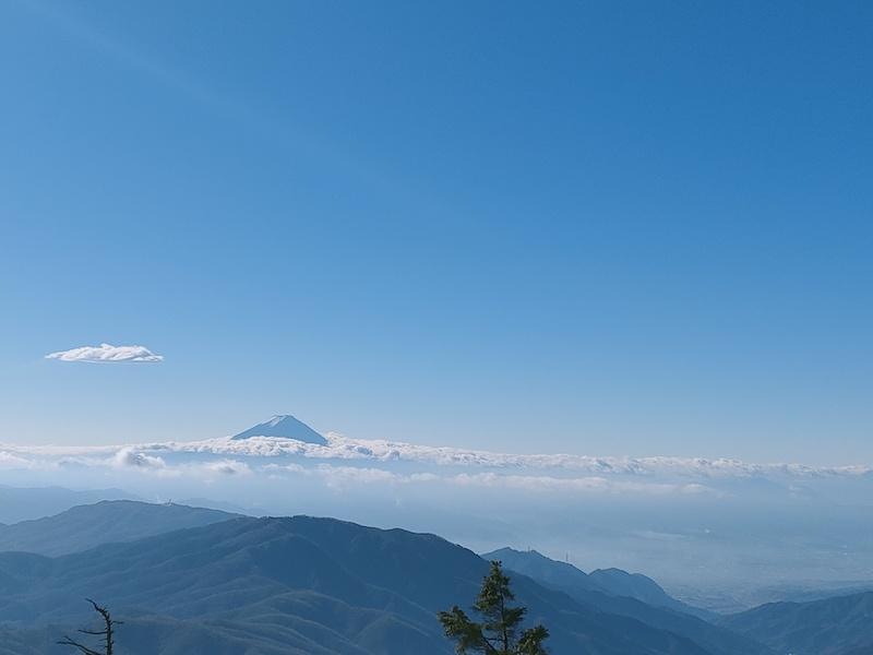 古礼山山頂から富士山と雲海