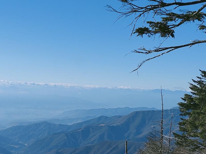 古礼山山頂から南アルプス