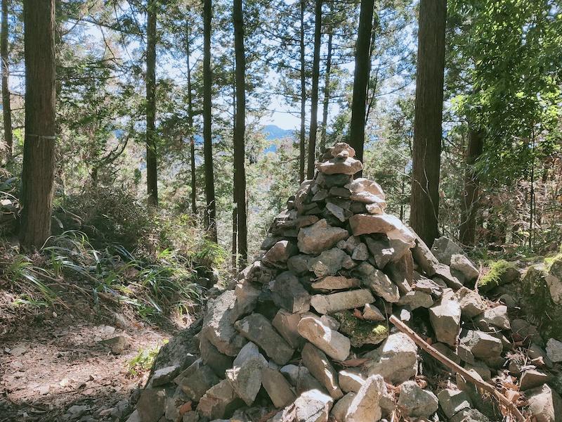 ケルン 青梅丘陵ハイキングコース