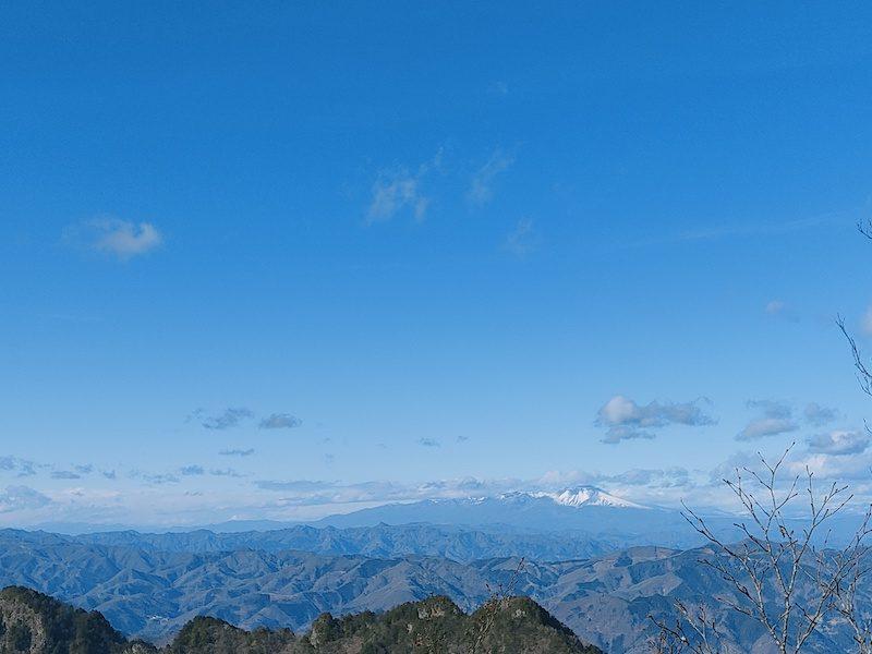 両神山山頂から